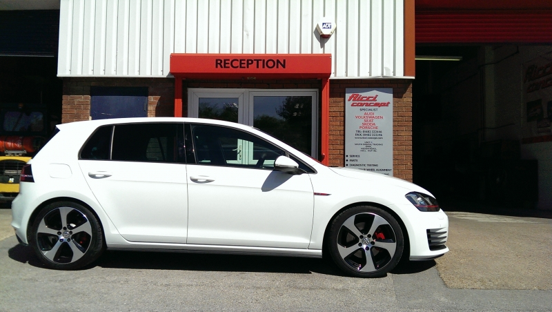 Volkswagen golf 7 lowered with vw racing spring kit